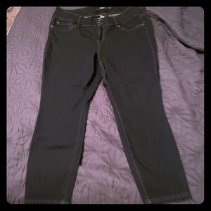 New Torrid Black Skinny Jeans Size 20